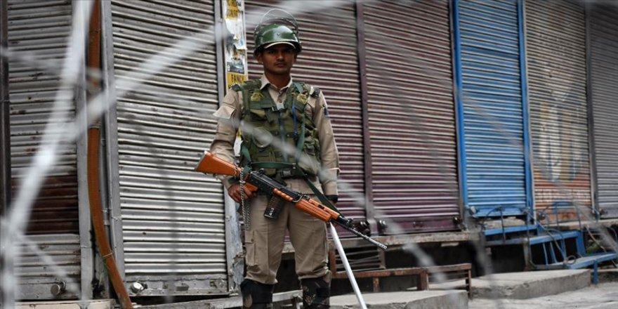 Cammu Keşmir'de kısıtlamaların hafifletildiği iddia edildi
