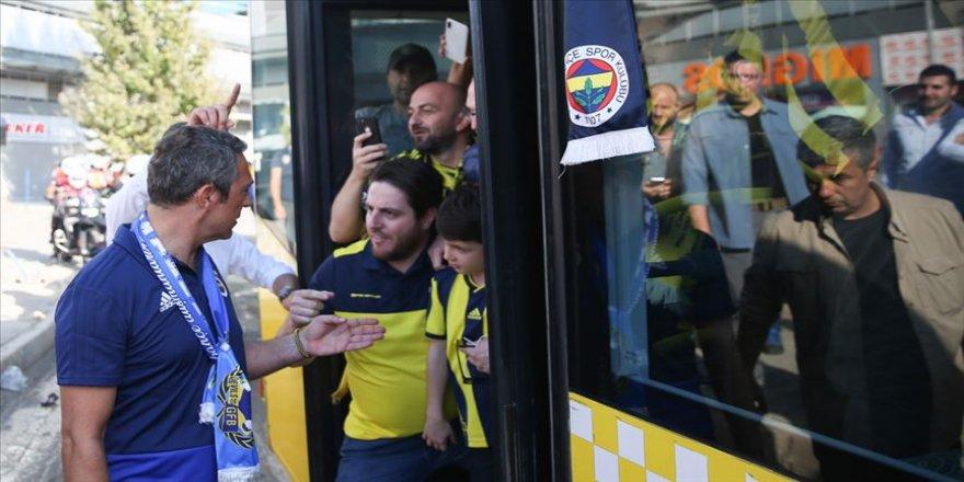 Ali Koç sarı-lacivertli taraftarları Türk Telekom Stadı'na uğurladı