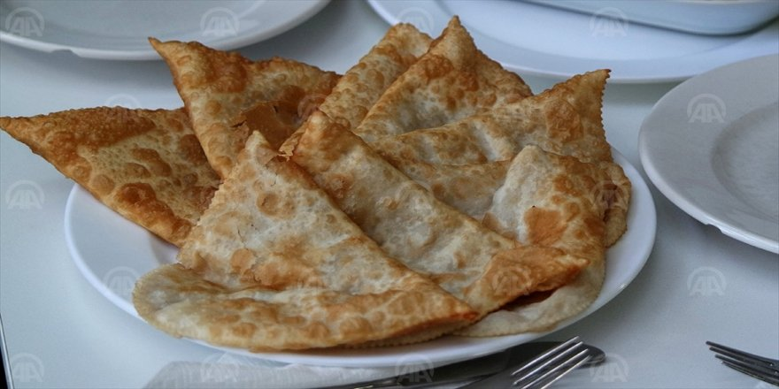 135 yıllık çiğ börek hikayesi 'çöven kazan' ile sürüyor