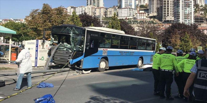 Ankara'da halk otobüsü yayalara çarptı: 3 ölü