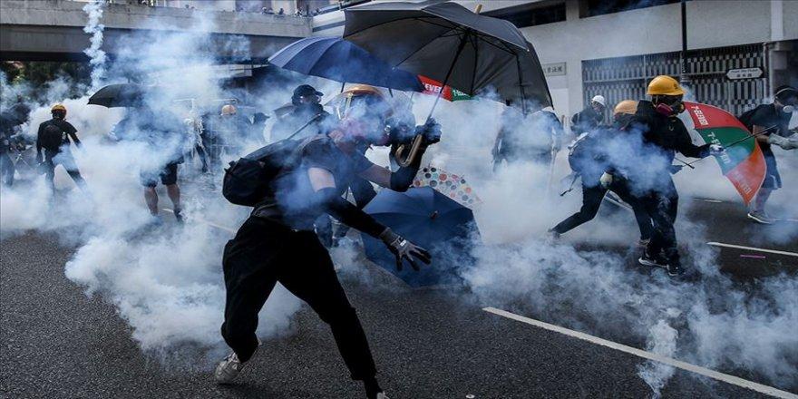 Hong Kong'da Çin'in yıl dönümünde arbede