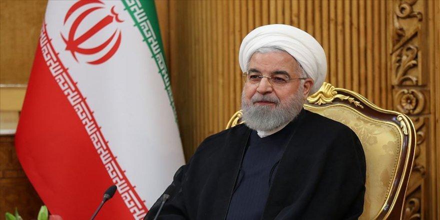 Ruhani, Trump ile telefon görüşmesini reddettiğini doğruladı