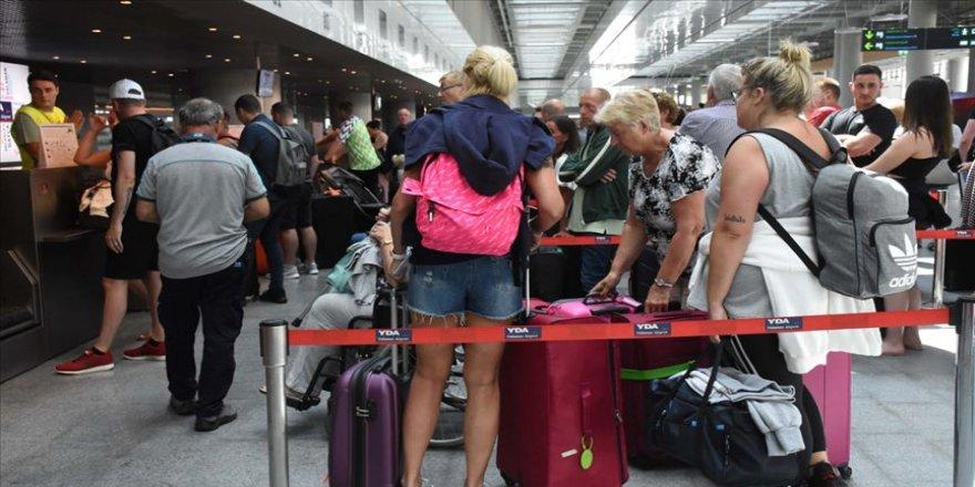 Thomas Cook'un iflasının ardından Dalaman Havalimanı'ndan 16 bin 371 kişi ülkelerine gönderildi