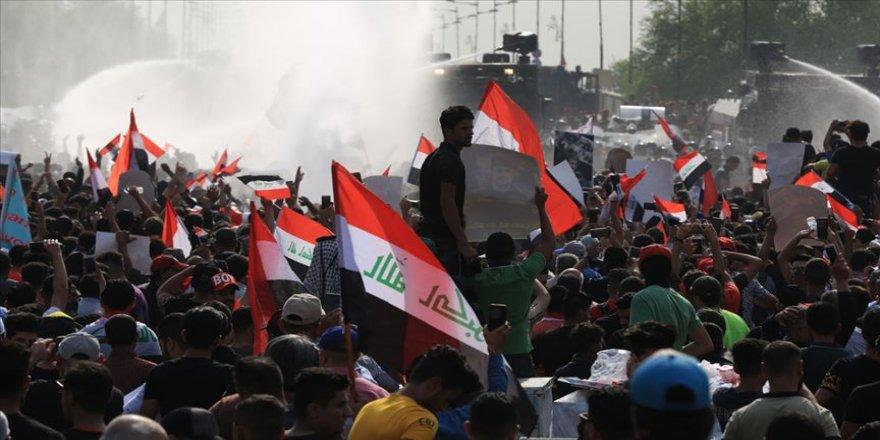 Irak'taki gösterilerde 60 kişi hayatını kaybetti