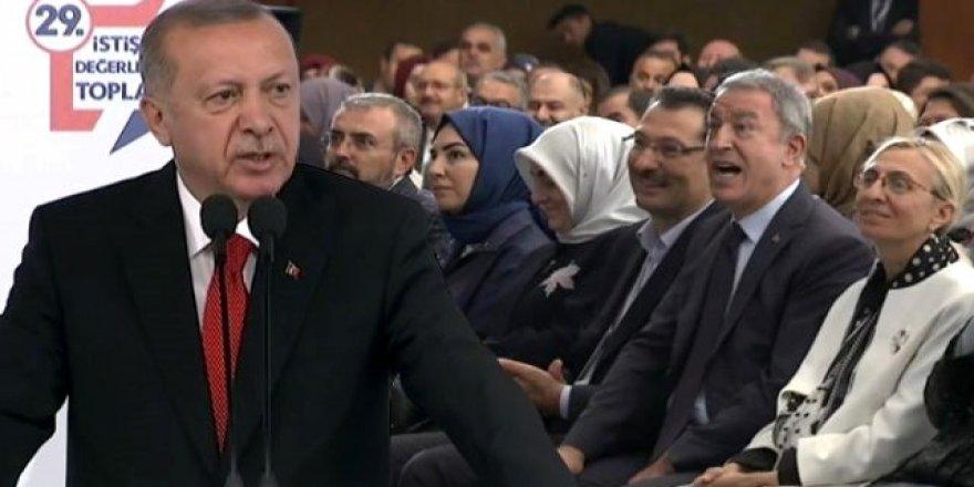 Erdoğan partilerin adını karıştırınca Akar devreye girdi