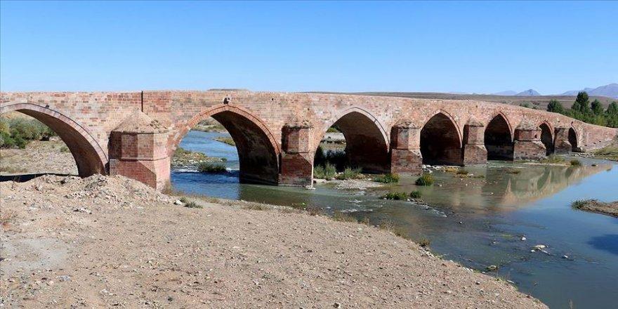 Ecdadın mühendislik harikası' köprü yüzyıllardır ayakta