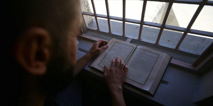 Kapalı cezaevinin 'hafızlar koğuşu'