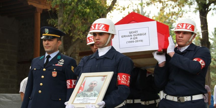 Şehit asker Erhan Gürbüz son yolculuğuna uğurlandı