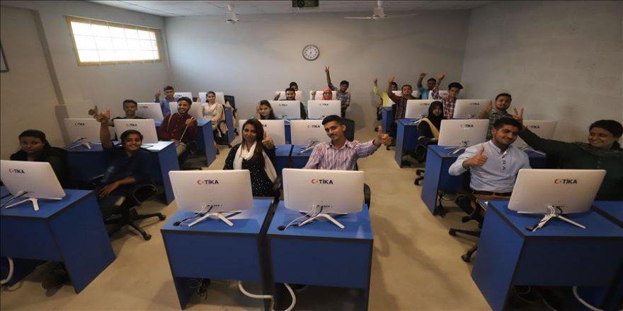 TİKA Pakistan'da mesleki eğitim merkezi açtı