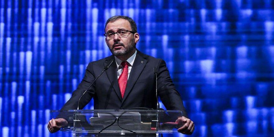 Bakan Kasapoğlu, E-Spor Zirvesi'ne katıldı