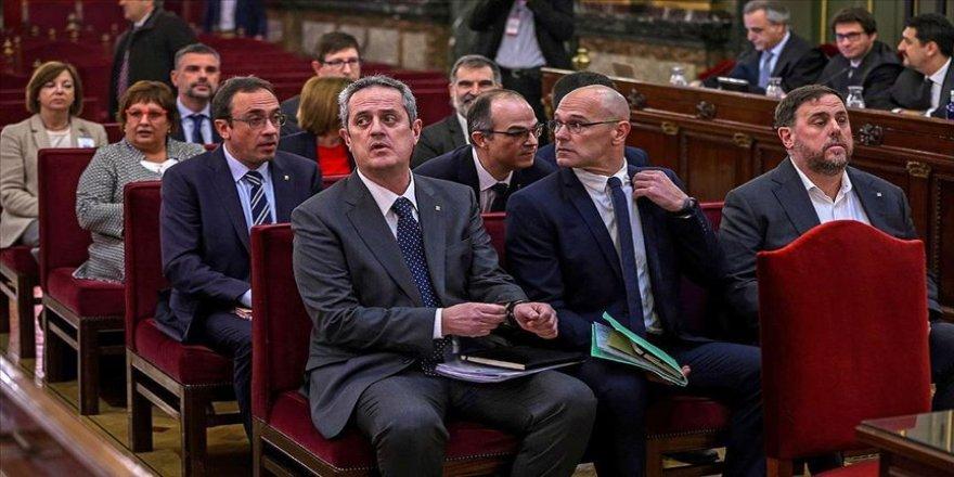 İspanya'da ayrılıkçı Katalan siyasetçilere hapis cezası