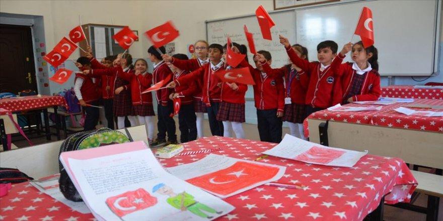 Şehitler diyarı'nın minik yüreklerinden Mehmetçik'e destek