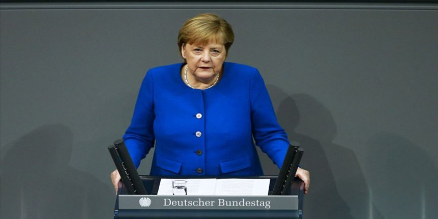 Merkel'den 'Türkiye'nin güvenlik çıkarları diplomatik yollarla korunabilir' açıklaması
