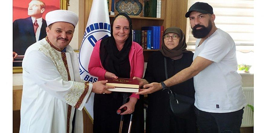 Hendriks Gebze'de Müslüman oldu!