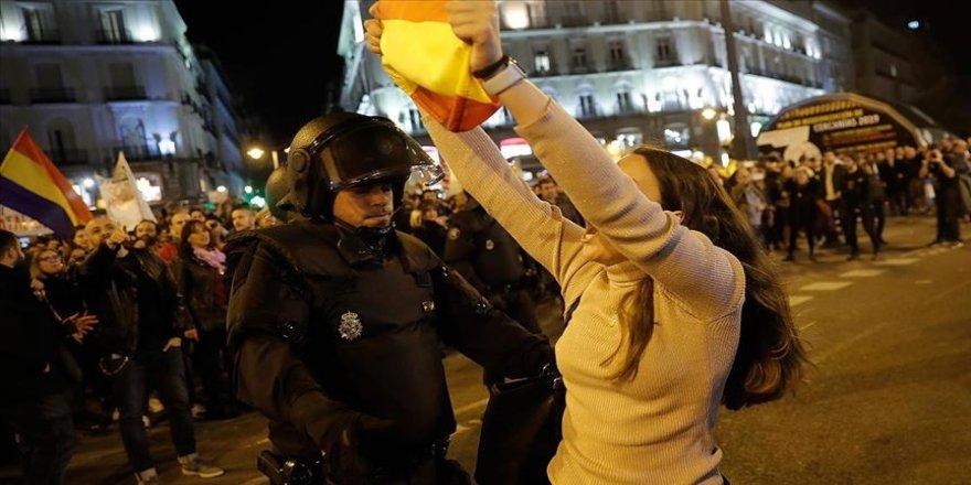 Katalonya'da grevler nedeniyle bazı uçuşlar iptal edildi