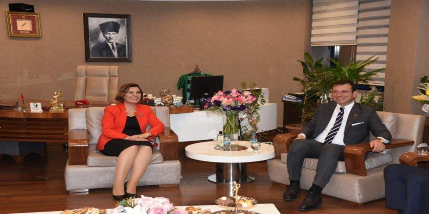 Ekrem İmamoğlu'ndan İzmit Belediyesi'ne ziyaret