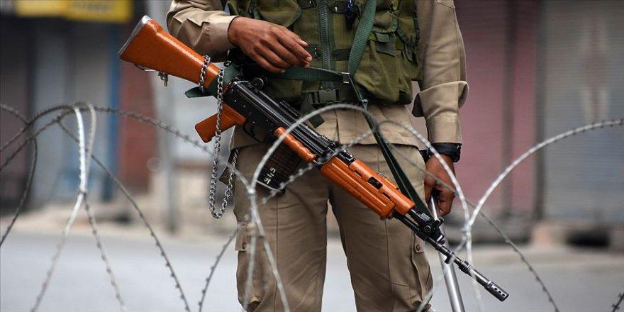 Pakistan Keşmir'de Hint ateşine karşılık verdi: 9 Hint askeri öldü