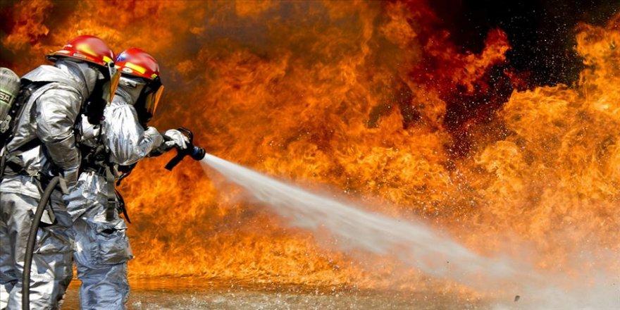 İran'ın en büyük petrol rafinerisinde yangın