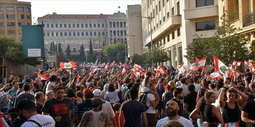 Lübnan'da ezberleri bozan protestolar