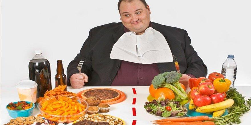 2,1 milyar kişi obeziteyle mücadele ediyor