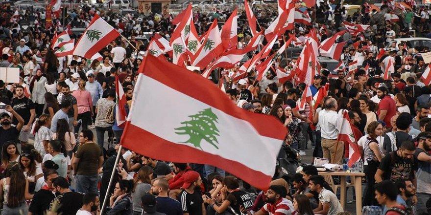 Lübnan'da temel ihtiyaç maddeleri tükenmek üzere