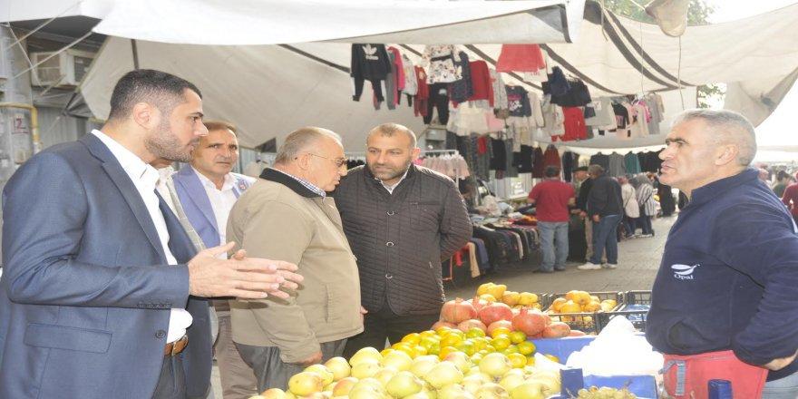 CHP'li meclis üyeleri pazarcı esnafını dinledi