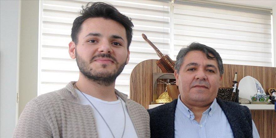 Opera öğrencisi sesini kaybetmeyi göze alarak babasına karaciğerini verdi