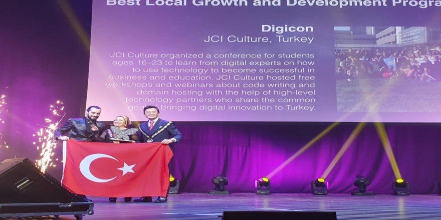 Çılgın Türk Gençleri 112 Ülkenin Katıldığı Konferanstan Ödülle Döndü!
