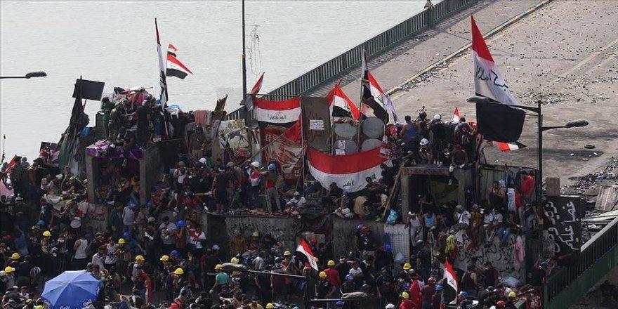 BM Irak Temsilcisi Hennis, Sistani ile 'gösterileri' görüştü