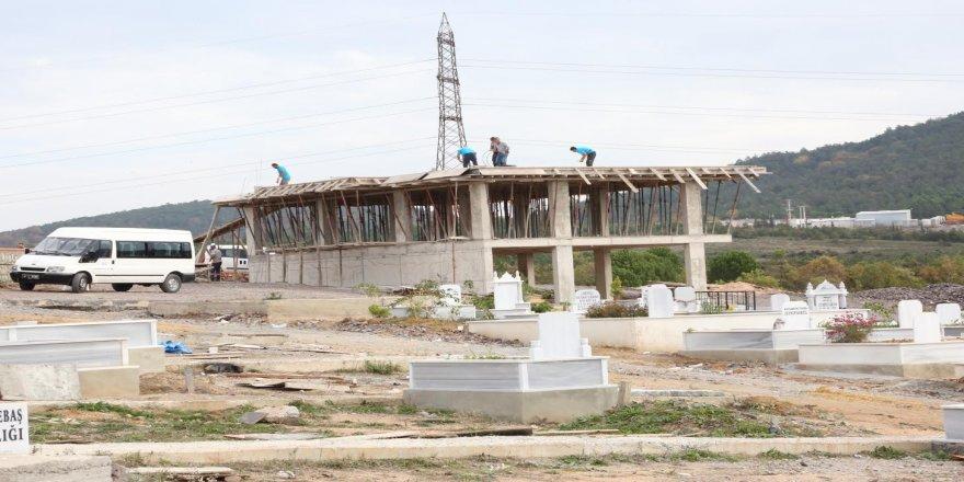 Balçık Mezarlığı Hizmet Binası'nda sona geliniyor