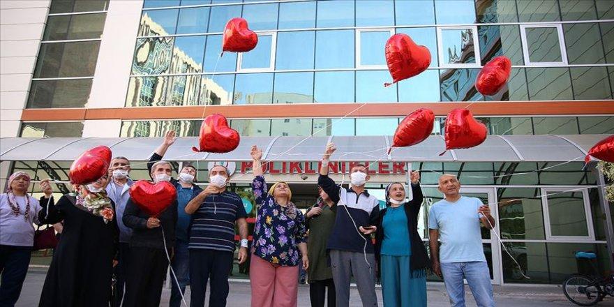'İsimsiz kahramanlarına' kalpli balonla teşekkür