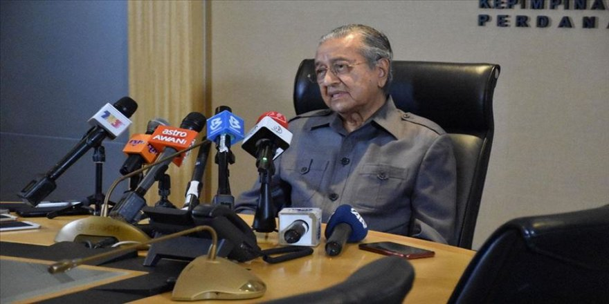 Malezya Başbakanı Mahathir: Televizyon kanalı projesi somut bir adımdır