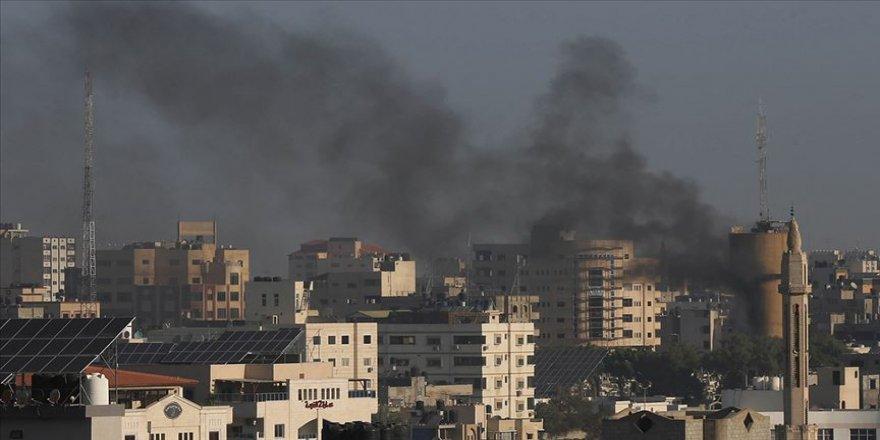 İsrail ordusu Gazze'de İslami Cihad mevkilerini bombalıyor