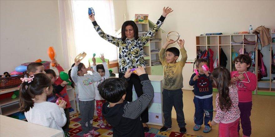 'Küresel öğretmen' ödüllü müdür projeleriyle çocuklara ışık oluyor