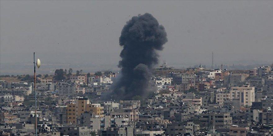 İsrail ordusu Gazze'de bazı hedeflere hava saldırıları düzenledi