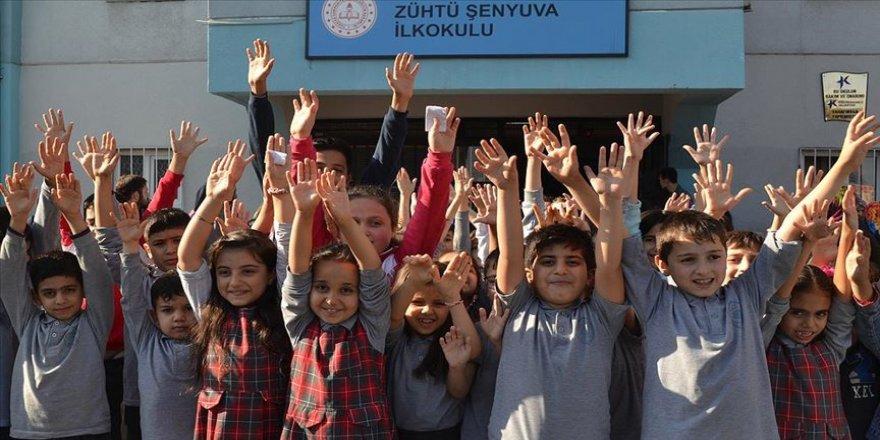 Öğrencilerden '11 milyon fidan' için Bakan Pakdemirli'ye teşekkür