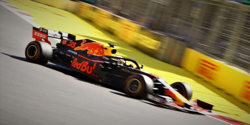 Formula 1'in Brezilya ayağında pole pozisyonu Verstappen'in