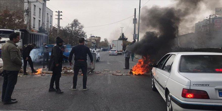 İran'da gösteriler nedeniyle internete erişim engeli
