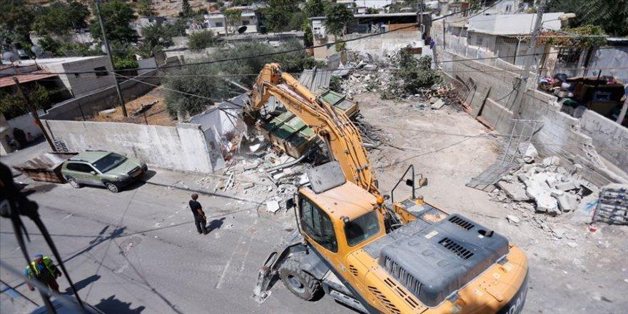 İsrail Batı Şeria ve Doğu Kudüs'te Filistinlilerin evlerini yıktı