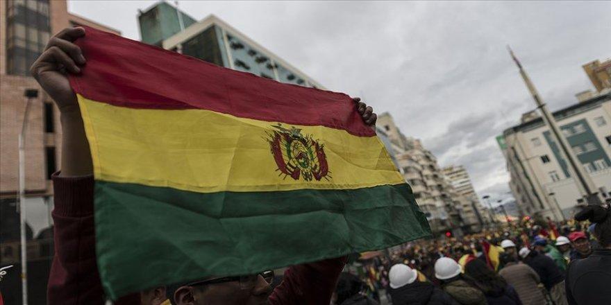 Bolivya'da güvenlik güçlerinin müdahalesinde Morales destekçisi 3 kişi öldü