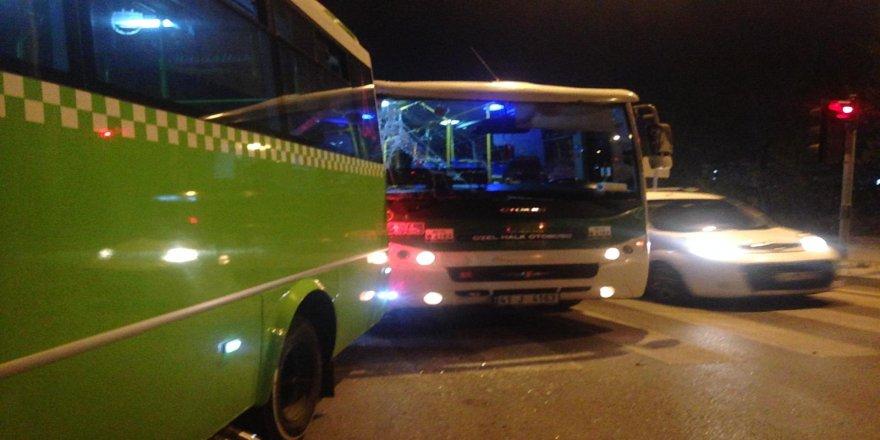 Halk Otobüsleri Çarpıştı ! 1 Kişi Yaralandı