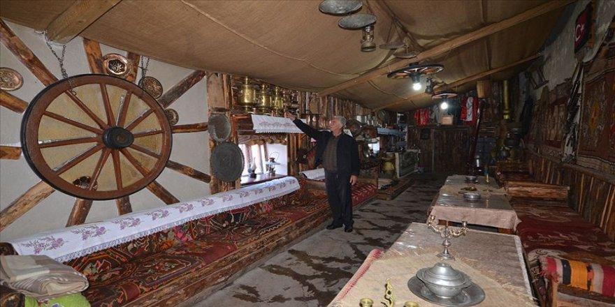 Biriktirdiği antikalarla samanlığını 'kültür evi'ne dönüştürdü