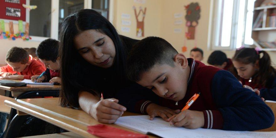 Sınır hattının fedakar öğretmenleri