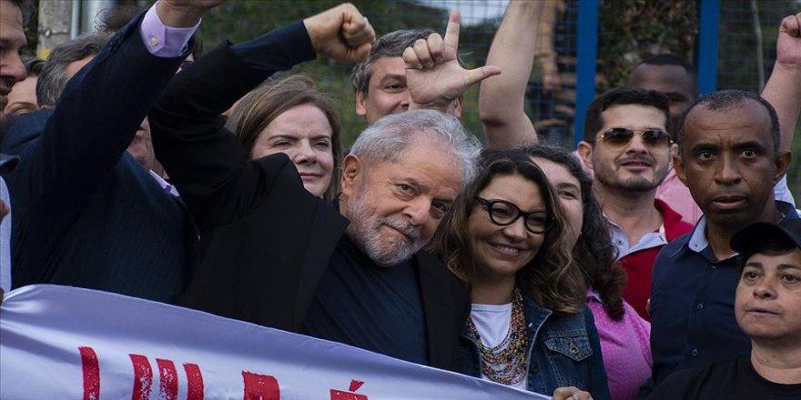 Brezilya'da eski Devlet Başkanı Lula Da Silva mevcut hükümete öfkeli