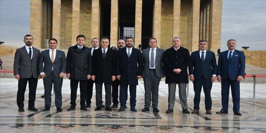 MKE Ankaragücü'nün yeni yönetiminden Anıtkabir'e ziyaret