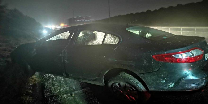 Gebze'de araç ağaca çarptı ! 2 Yaralı