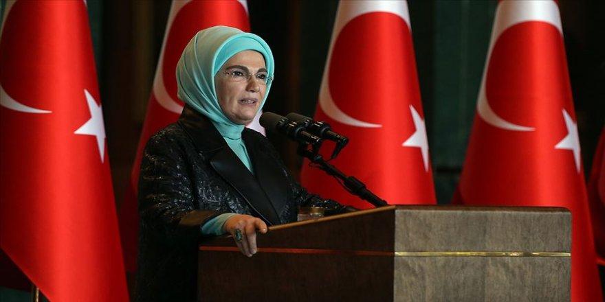 Emine Erdoğan: Kalplerdeki engelleri aşabilirsek fiziki engelleri de hafifletebiliriz