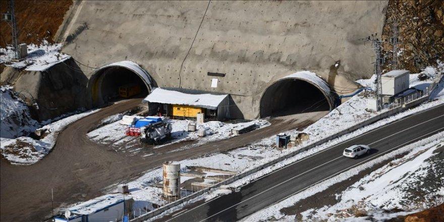Karadeniz'i İç Anadolu'ya bağlayacak Eğribel tünelinde ikmal inşaatına başlandı