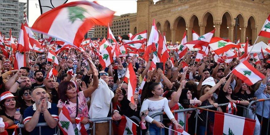 Lübnanlılar iş adamı Hatib'in 'başbakan olmaması için' yolları kapatacak