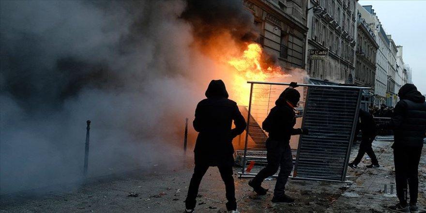 Fransa'daki emeklilik reformuna tepki grevleri 2. gününde